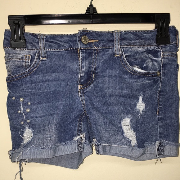 Vanilla Star Other - Distressed jean shorts